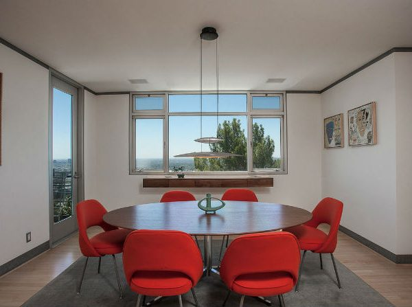 Modern Dining Room Fill your Modern Dining Room with Fabulous Red Chairs Fill your Dining Area with Colors Red Chair Inspiration 5 600x447