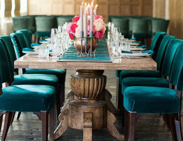 7 Velvet Dining Room Chairs That You Will Covet dining room chairs 7 Velvet Dining Room Chairs That You Will Covet velvetfeat 600x460