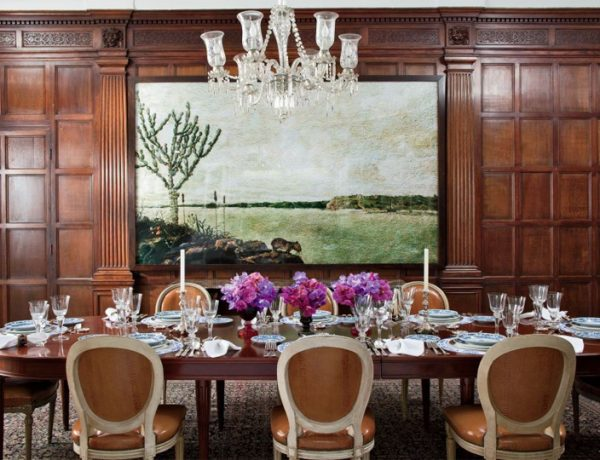 7 Remarkable Dining Room Tables You Will Want To Have Next Season dining room tables 7 Remarkable Dining Room Tables You Will Want To Have Next Season 8 600x460